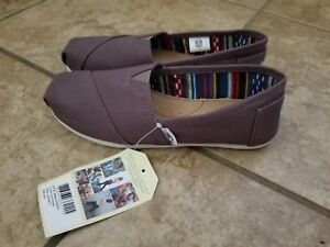 bdf8146f83e NWT WOMENS TOMS CANVAS CLASSIC SLIP ON SHOES 6.5 6 1 2 Ash Beige ...
