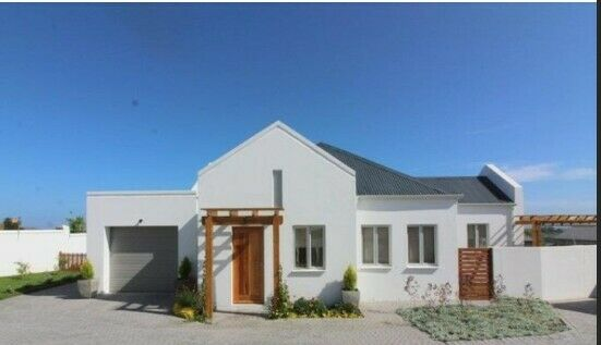 HOUSE TO RENT - 1 NOVEMBER