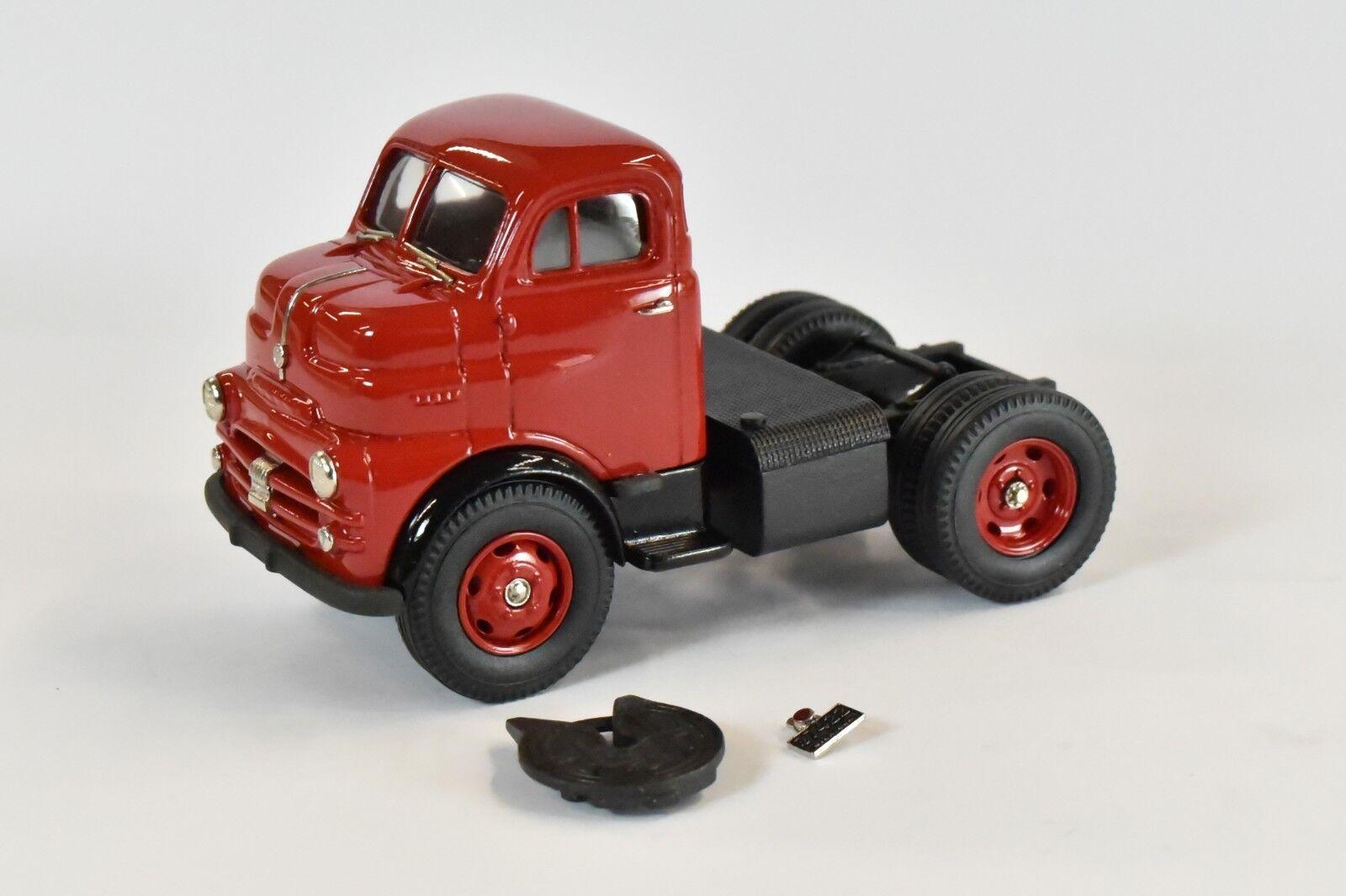 Brooklin Models 1953 Dodge Tractor Unit (rojo) - US31