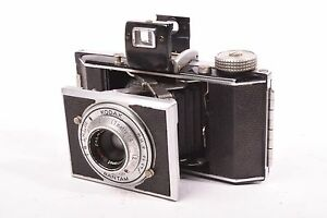 Kodak-bantam-folding-camera-with-Kodak-Anastigmat-Special-f-4-5-47mm-lens