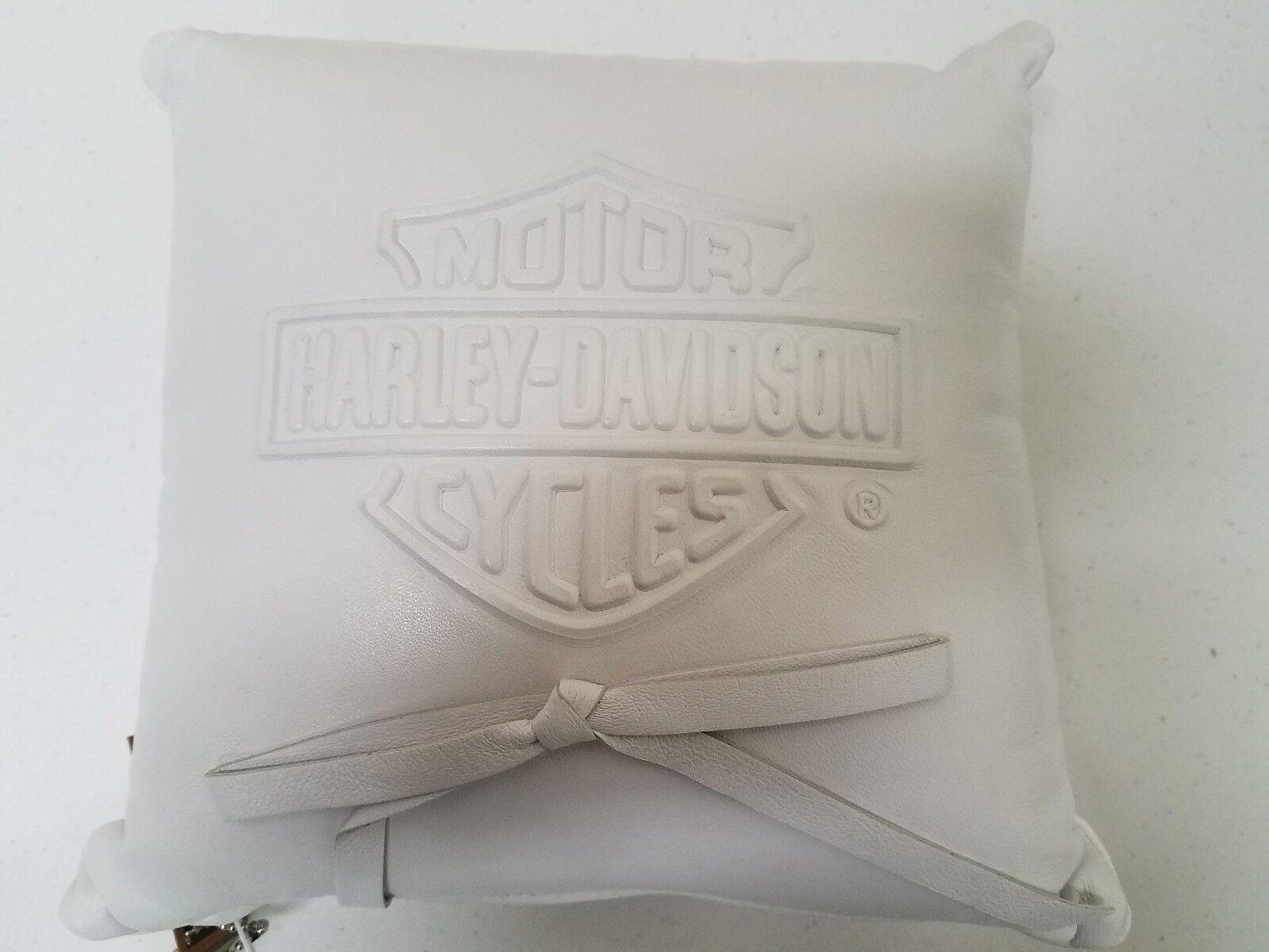 376 NWT Harley-Davidson ring pillow, Weiß
