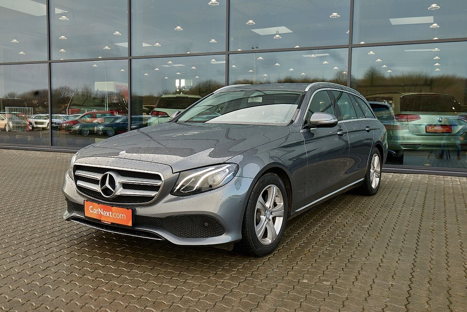 Mercedes E220 d 2,0 Business stc. aut. 5d - 379.900 kr.