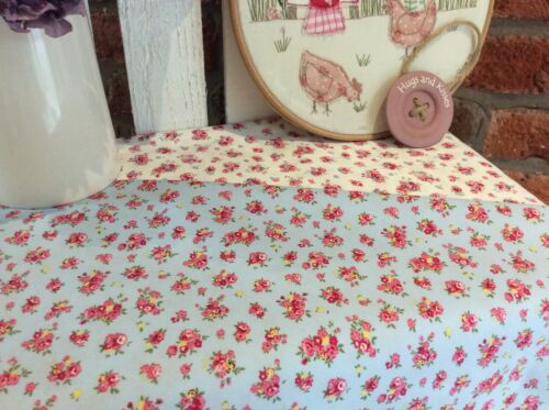 Ditsy daisy rose vintage style pink 100/% cotton fabric quilting craft patchwork
