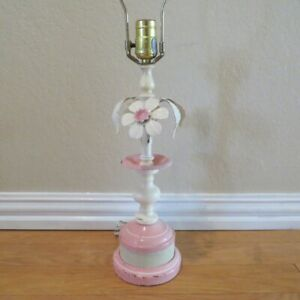 Vintage-MCM-Shabby-Chic-Metal-Tole-Table-Lamp-Pink-Flower-Leaf-Hollywood-Regency