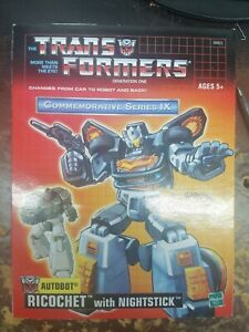 BRAND-NEW-Transformers-Commemorative-Series-IX-Re-Issue-Ricochet-with-nightstick