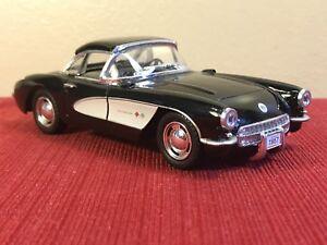 Black-1-34-1957-CHEVY-CORVETTE-DieCast-Car-Kinsmart-Pullback-opening-doors