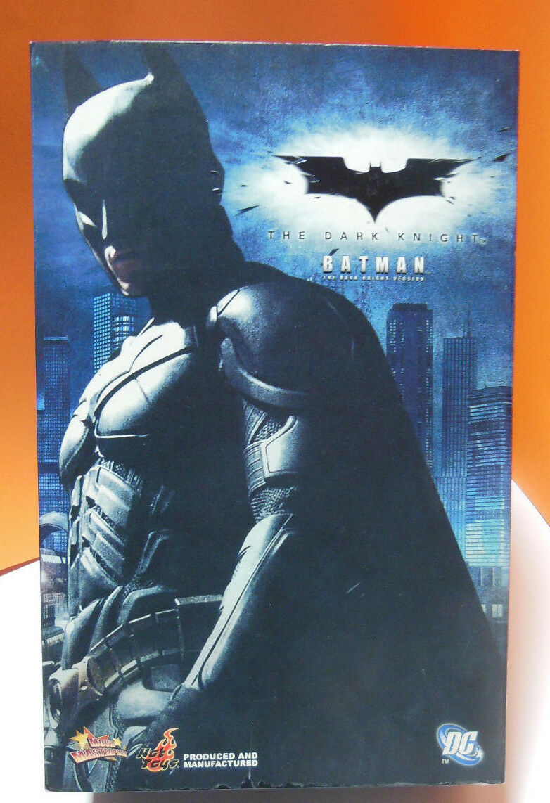 Dark Night Batman 1/6 Action Figure 12