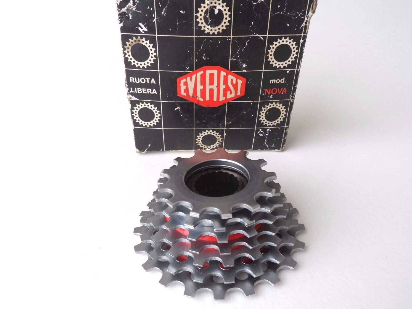 NOS Vintage 1980s EVEREST NOVA 13-21 cogs 7 Speed ISO freewheel cassette