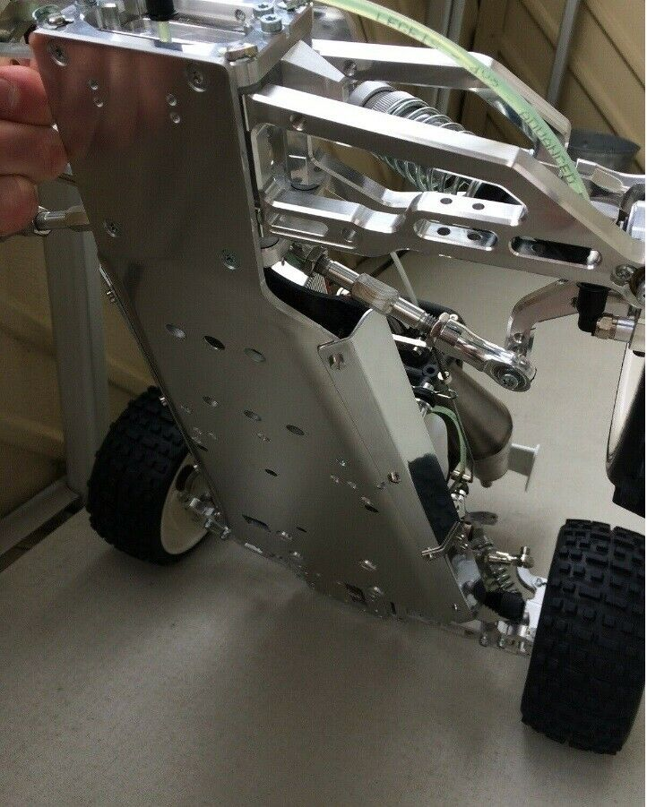 Fjernstyret bil, Elcon Models Marder XL, skala 1:6
