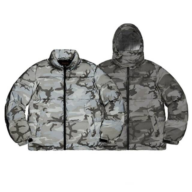1c398eaa5162 NEW ~ SUPREME F W  18 Reflective Camo Down Jacket Snow Men s size SMALL