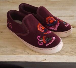 New-NEXT-Junior-Girls-Embroidered-Floral-Slip-on-Shoes-Trainers-UK-13-Kids