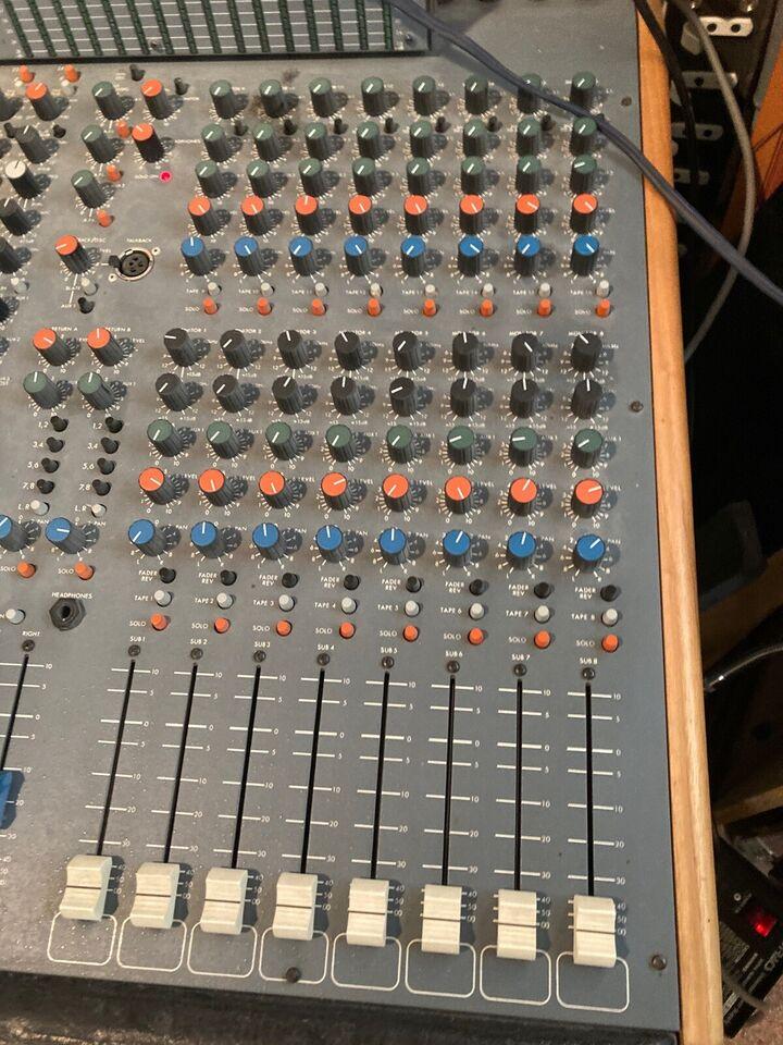 Mixer, Soundtracs 24-8-16