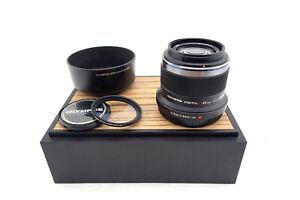 Olympus-M-Zuiko-Digital-45mm-1-8-MFT-Bajonett-Objektiv-like-new