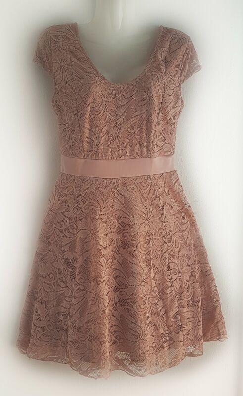 ***charmantes Kleid Im Super Design Gr.36/38***