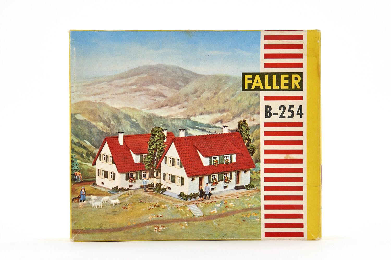Lot 1811010 Faller b-254 doppio Casa con abbaino del tetto, gemischtbauw., h0, 1962, OVP