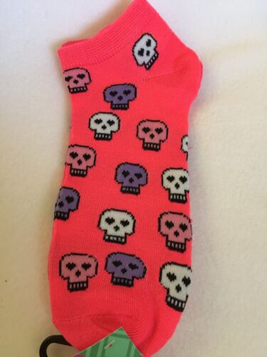 Adult Ankle Sock Shoe Size 4-10 Skulls Low Cut Nwt Pink