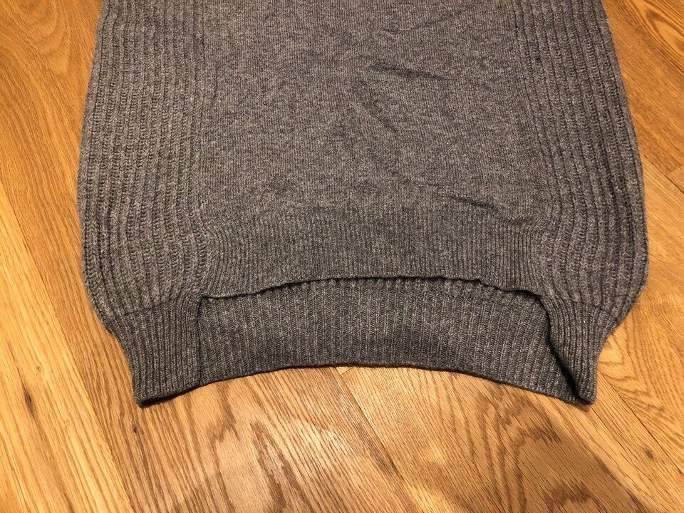 Sweater, Joseph, str. 44