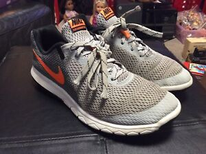 05445fa2806497 MEN S PRE-OWNED NIKE Flex Experience RN 5 Gray Orange 844514 007 ...
