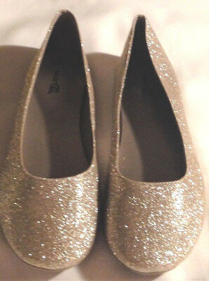 5.5M 4M Shoes dress girls sizes 1.5M 5M or 6M new man made materials gold