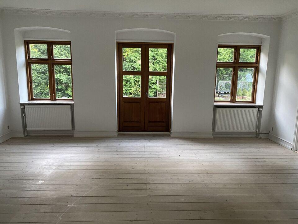 Hus med mulighed for erhverv - Stuehus Undineve...
