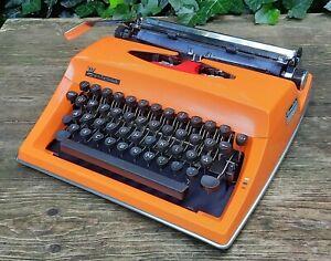 Old Typewriter Triumph Contessa de Luxe