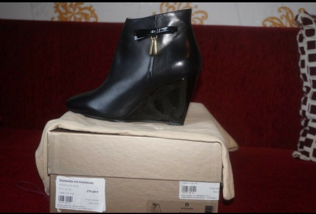 High heels keilabsatz Stiefelletten AIGNER Neue