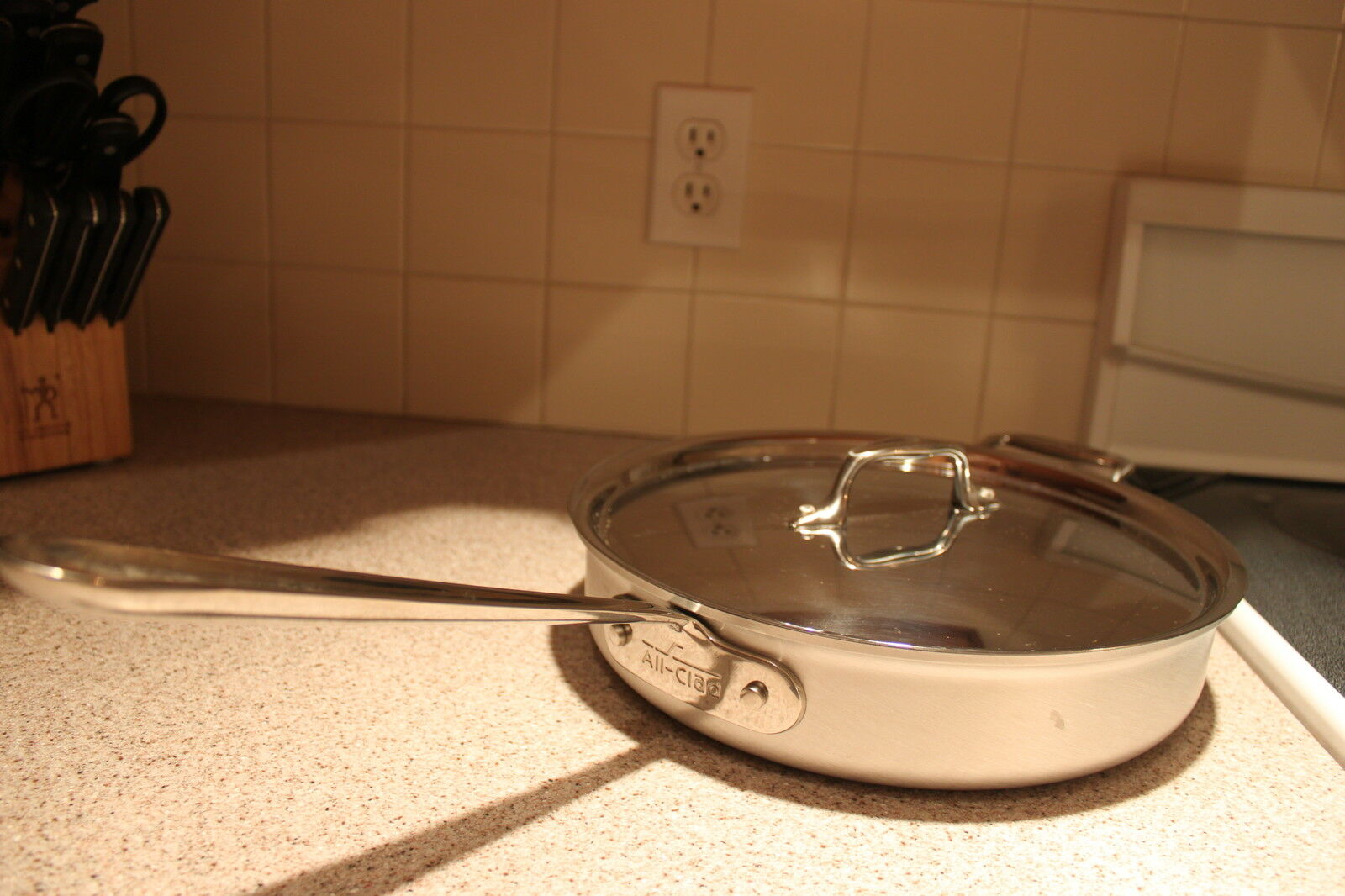 New All Clad MC MC MC 2, 3 quart Sauce  pan with lid.  No box  New 5aa75f