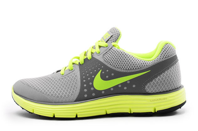 NIKE Femme LUNARSWIFT+ 4 Chaussures Taille  granite volt charcoal 51072018 070