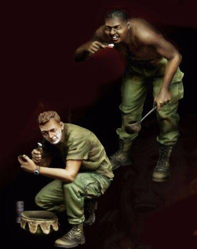 1//35 Resin Vietnam War Morning US 2 Soldiers unpainted unassembled BL213