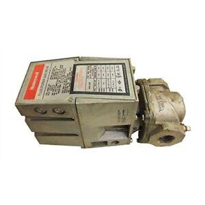 Honeywell V4055A1007 Fluid Power Gas Valve Actuator, On-Off, 120 VAC, 60 Hz