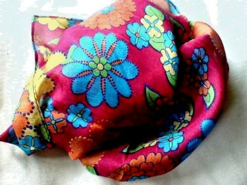 """INDIAN 100/%PURE SILK HANDMADE SQUARE NEON PINK FLORAL DESIGN SCARF 6/""""x 40/"""" £6.50"""