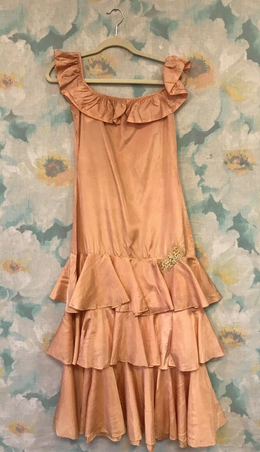 Vintage Antique 1920s Pink Silk Flapper Dress with Tiered Skirt and Lace Detail