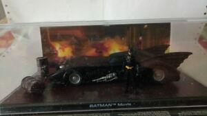 Modello-auto-BatMobile-Batman-Movie-scala-1-43-con-minifigure-in-teca-nuovo