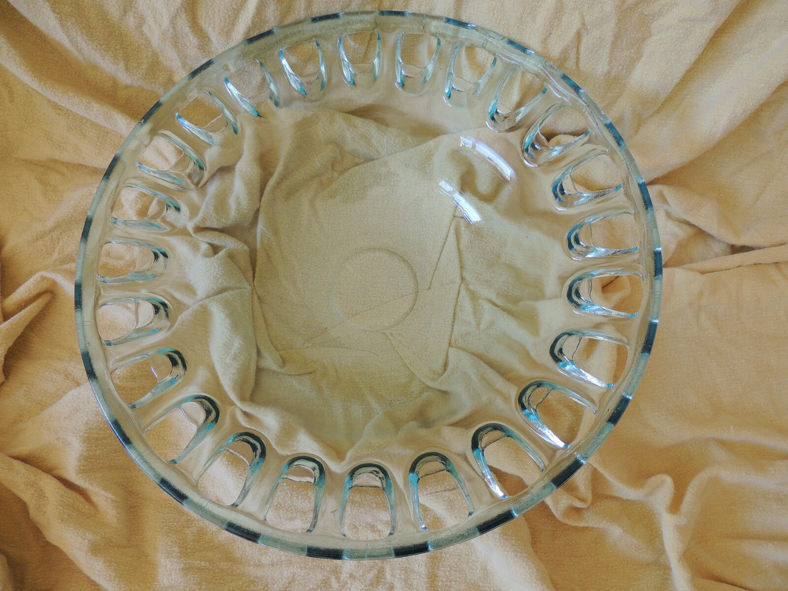 NEU,Glas Schale aus Konkursmasse,  Cristal  Schale nur geöffnet für die Fotos