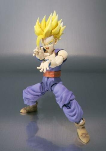 NUOVO S.H Figuarts Dragon Ball Z SON GOHAN Action Figure BANDAI TAMASHII NATION