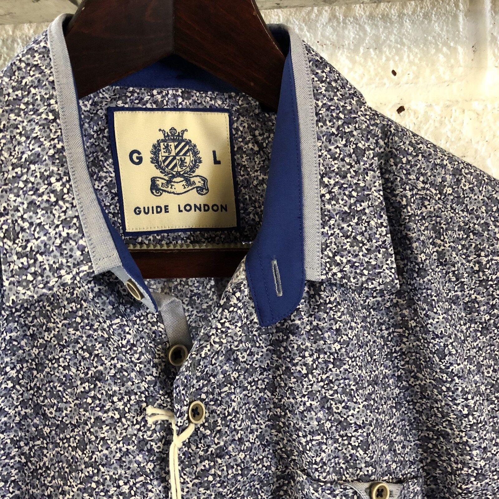 Guide London Geo  Print Short Sleeve Shirt Med BNWT