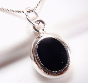 Reversible-Black-Onyx-and-Mother-of-Pearl-925-Sterling-Silver-Oval-Necklace