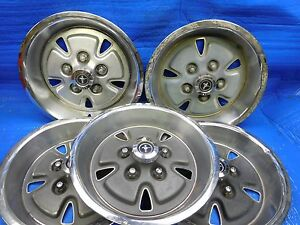 71 72 73 Ford Mustang 14x7 Wheel Hubcap Hub Caps Used Set Of 5 Ebay