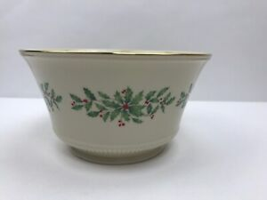 Lenox-Holiday-Dimension-8-034-Footed-Bowl-Porcelain-Holly-Christmas