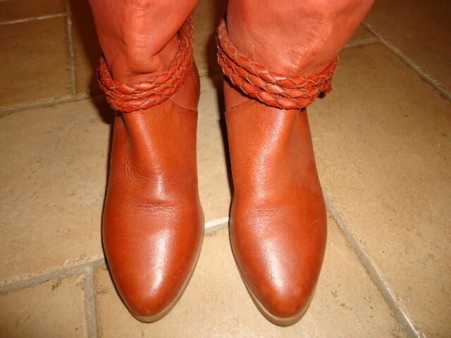 WOMEN'S LEATHER RIDING AT BOOTS NWOT VERY NICE BOOTS PURCHASED AT RIDING NEIMAN MARCUS dd67c3