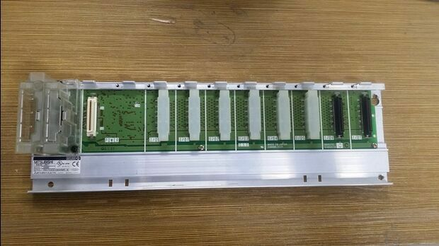 1PC Mitsubishi PLC Q68B  board Used Tested