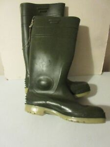 mens green wellies size 9 uk  43 eu - swansea, Swansea, United Kingdom - mens green wellies size 9 uk  43 eu - swansea, Swansea, United Kingdom