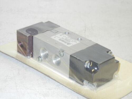 COMPAIR 8MM502-102 NEW PNEUMATIC VALVE 8MM502102