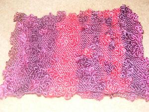 Main Kniitted Cowl Écharpe Rouge/violet Avec Bobbles/fleurs-afficher Le Titre D'origine