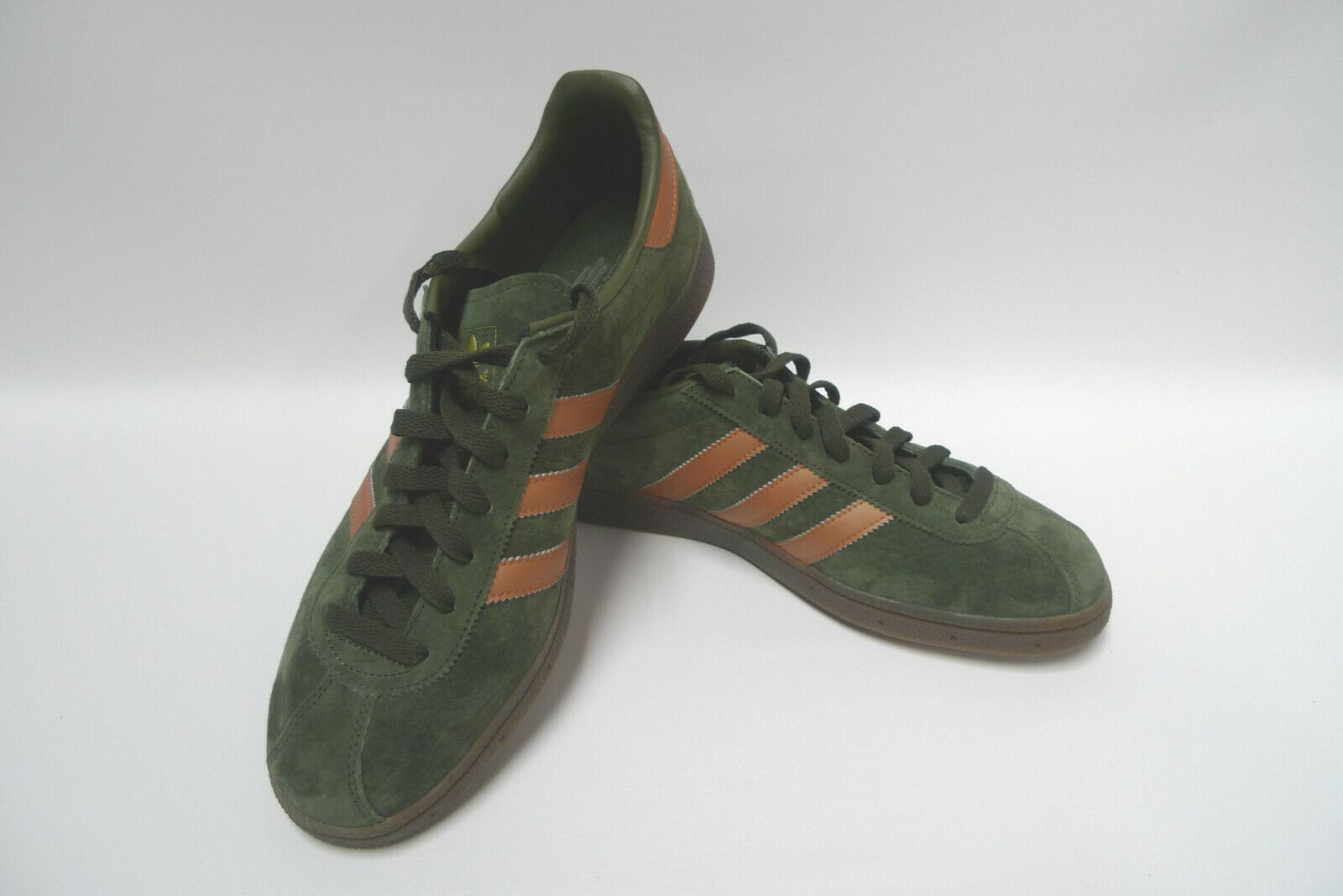 Adidas München Turnschuhe grün - Größe EU 44 2 3 - UK 10 - neuwertiger Zustand