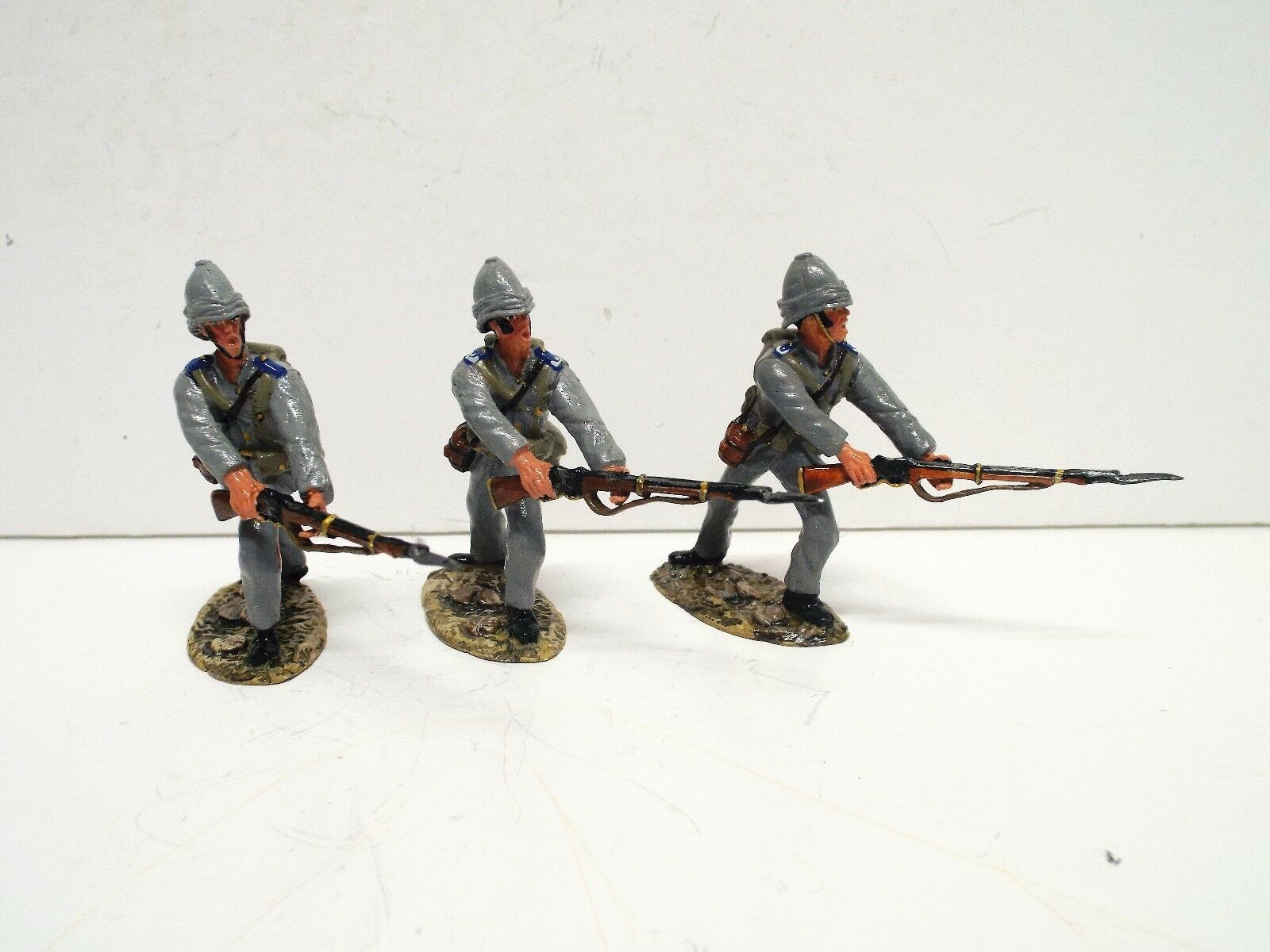 MARIELA MINIATURES 3X 1884 ROYAL MARINES LUNGING SET UNBOXED. (BS2348)