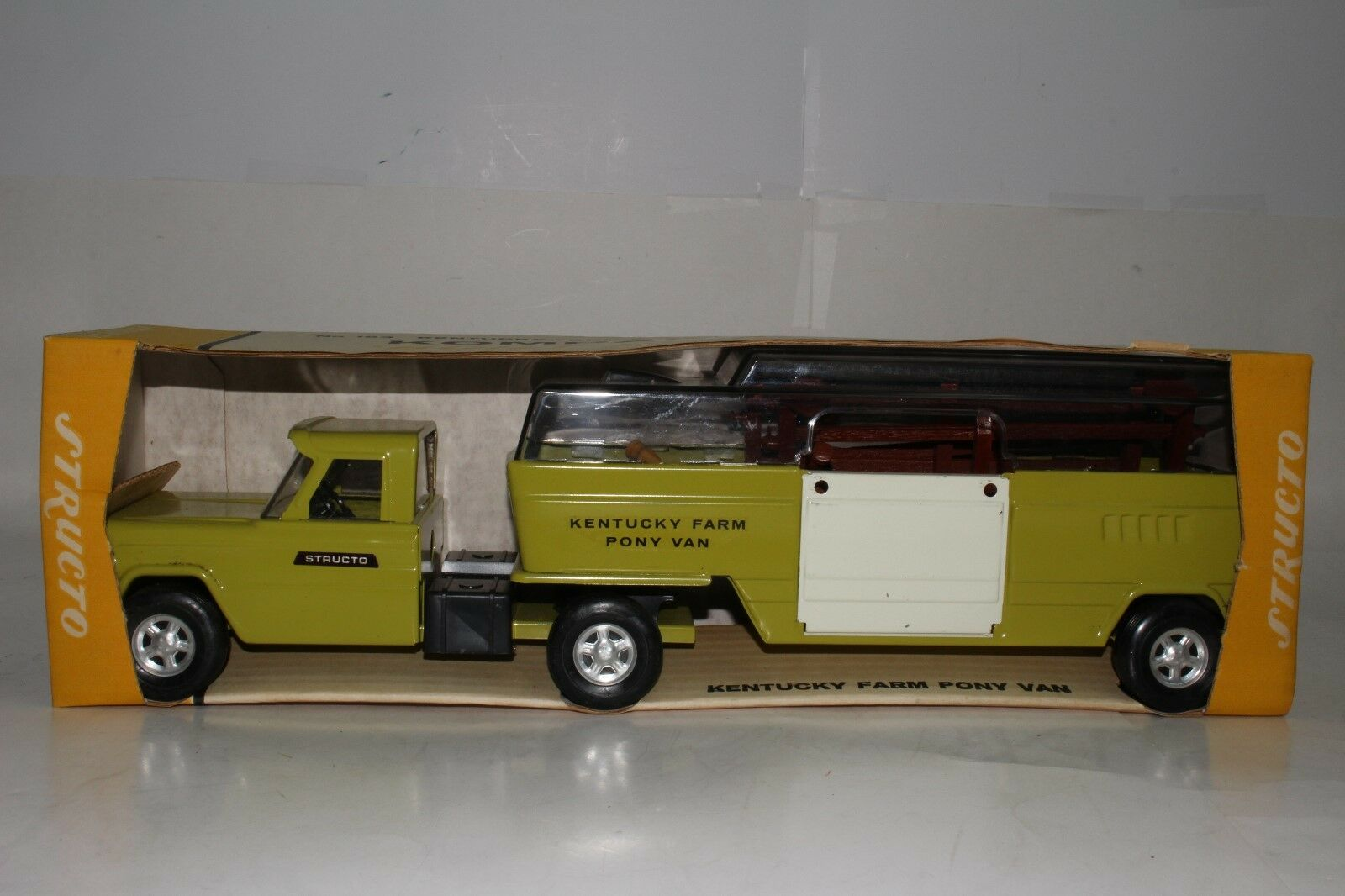 597ms Structo Kentucky Caballo Granja Semi Camión con Caja y Accesorios,