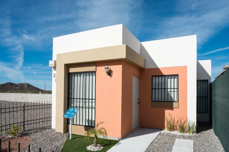 Casa en Venta en Quinta Esmeralda Residencial, Hermosillo, 2 Recámaras