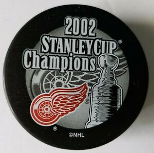 Detroit-Red-Wings-2002-NHL-Stanley-Cup-Champions-Hockey-Puck-FREE-Cube