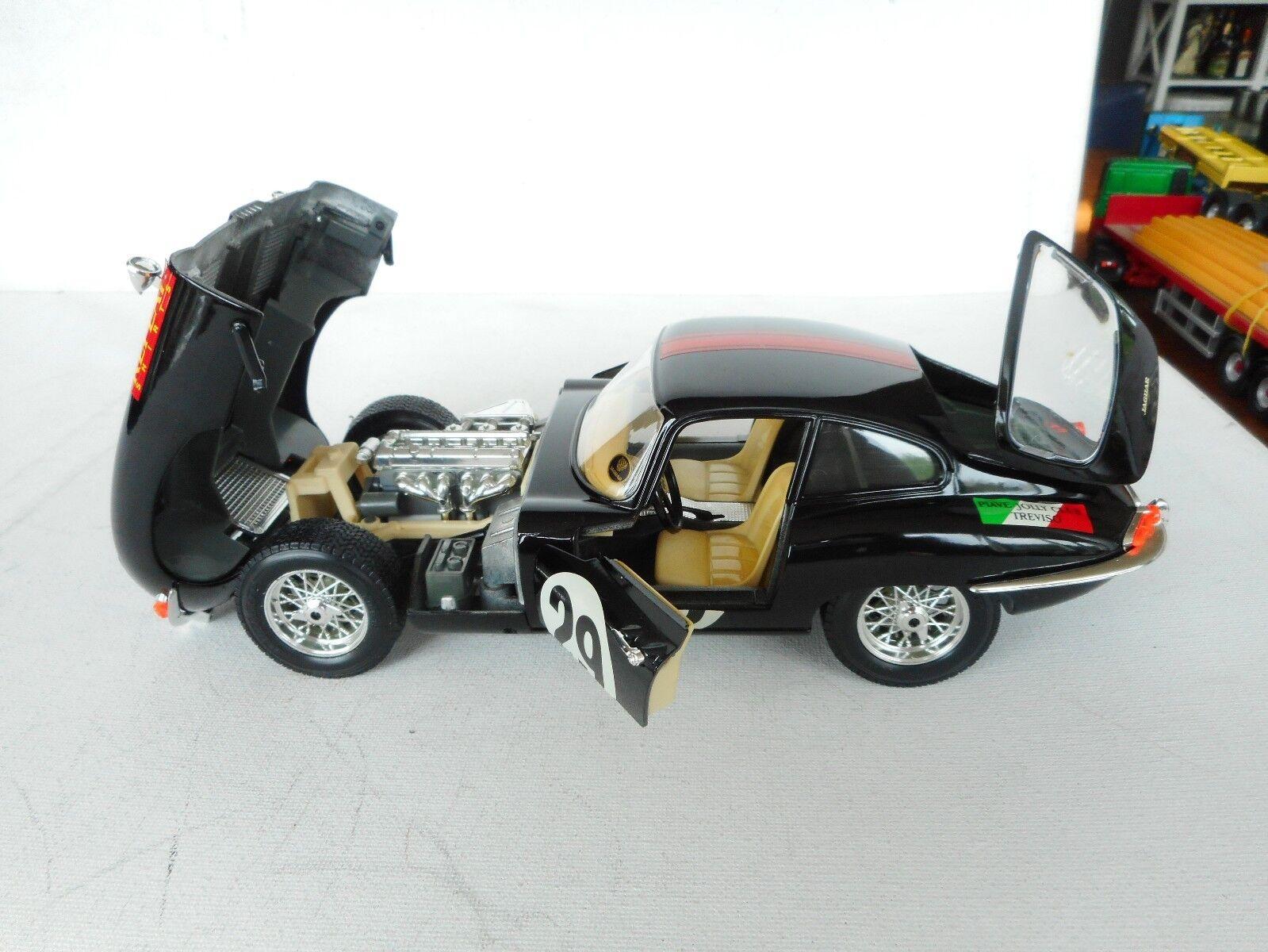 Burago 1/18 Scale Diecast  Jaguar E Type Coupe    1961  29 Race Car SELTEN N M 95ec1b
